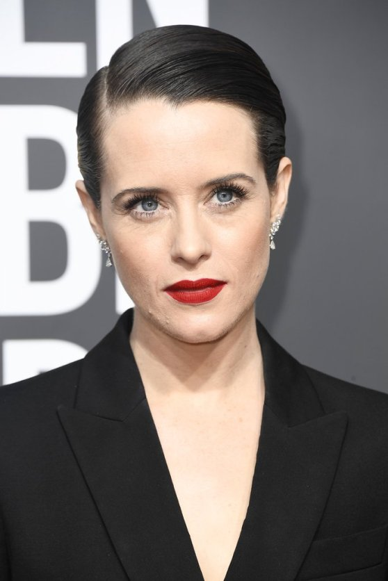 Claire-Foy-Golden-Globes-Red-Carpet-Beauty-Look-2018
